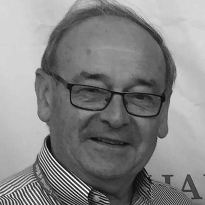 Dr. Philip  Davies